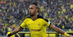 L'attaquant gabonais est couronné pour son excellente saison avec Dortmund