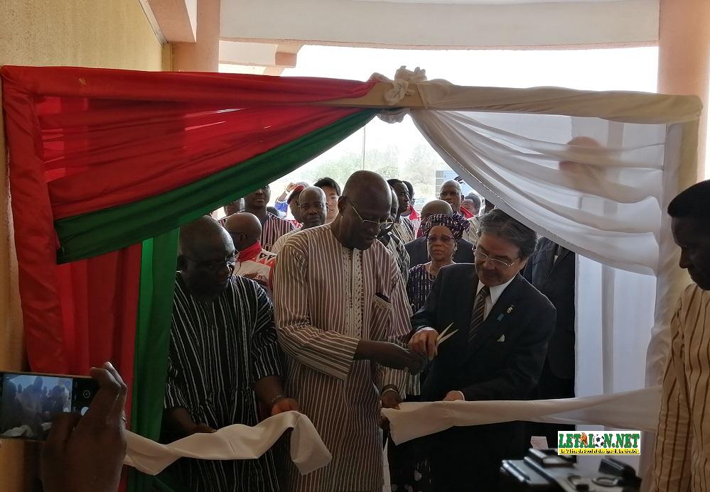 Fédérations sportives du Burkina : le Premier ministre inaugure le complexe d'infrastructures du CNOSB