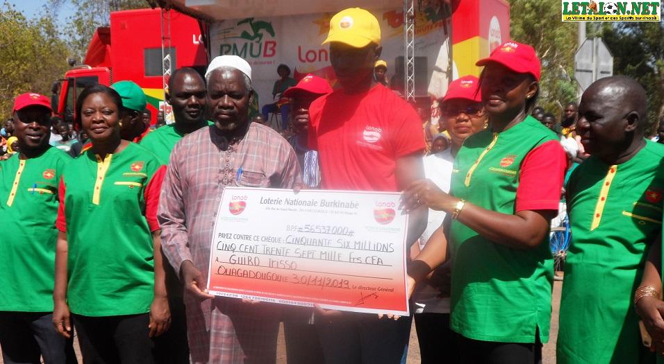 Agence LONAB Koudougou : Irisso Guiro reçoit son chèque de 56 millions