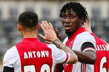 Ajax# VVV-Venlo 13-0 : Un quintuplé et 3 passes décisives pour Lassina Traoré