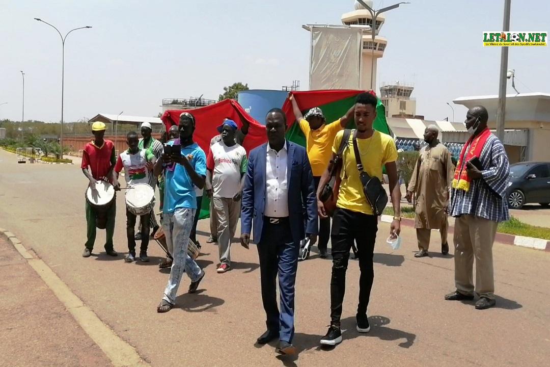 Tour du Bénin: les Etalons accueillis en héros à Ouaga