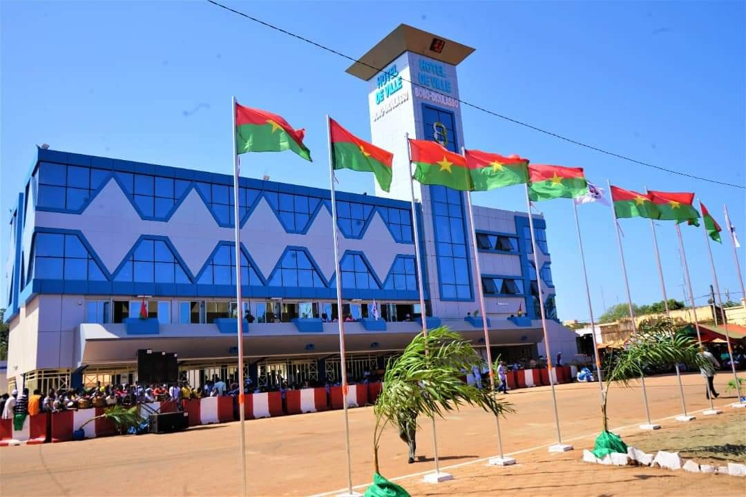 Commune de Bobo : 5 millions FCFA pour soutenir les équipes de D1